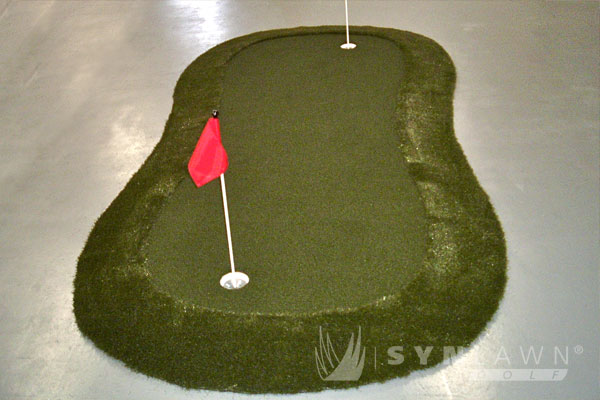 putting green made with artificial turf